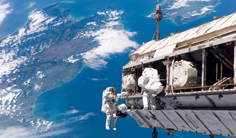 Space walk over NZ Wiki